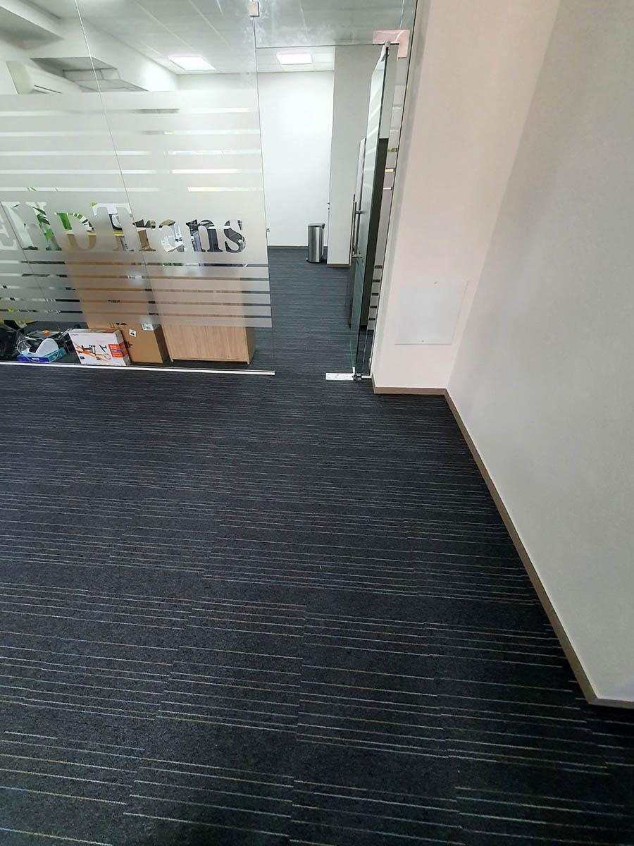 Изпълнени обекти: Офис с мокетни плочи